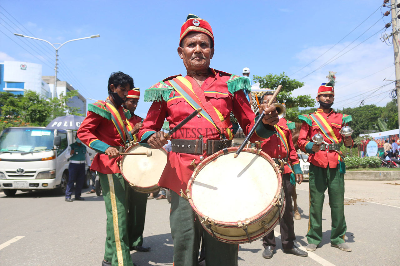 A marching band to commemorate World Tourism Day