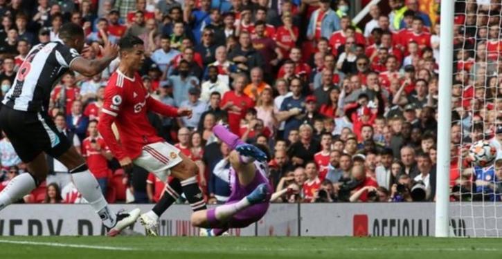 Cristiano Ronaldo steals the show on Man Utd return, scores twice