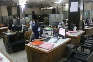 In Pictures: Bank operation amid strict restrictions