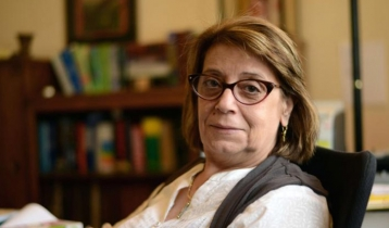 """Egyptian writer warns of """"risks"""" of following Western media"""