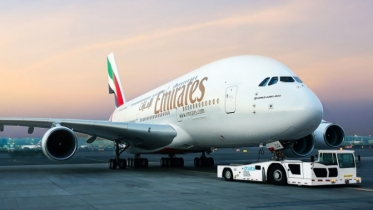 Emirates Group incurs loss for first time in over 3 decades