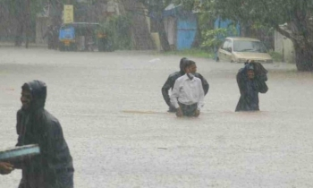 Floods and landslides in India kill over 100