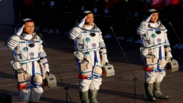 Chinese astronauts leave space station module for Earth