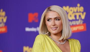 Paris Hilton shoots down pregnancy rumors