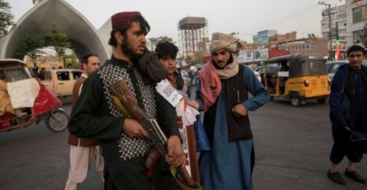 Taliban hang bodies in public as sign of warning
