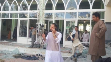 Explosion at Afghan mosque kills 32 people