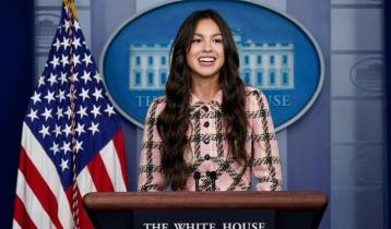 Olivia Rodrigo: Pop princess pushes president's plan for more jabs