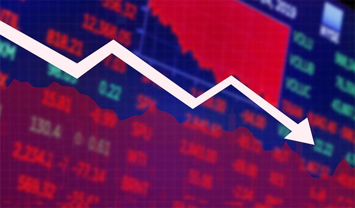 Last-minute sale pressure pulls stocks down